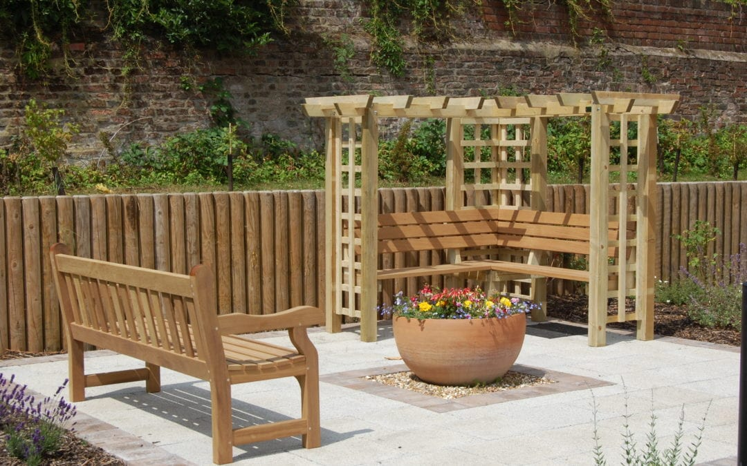 10 Artistic and Memorial Outdoor Furniture Ideas